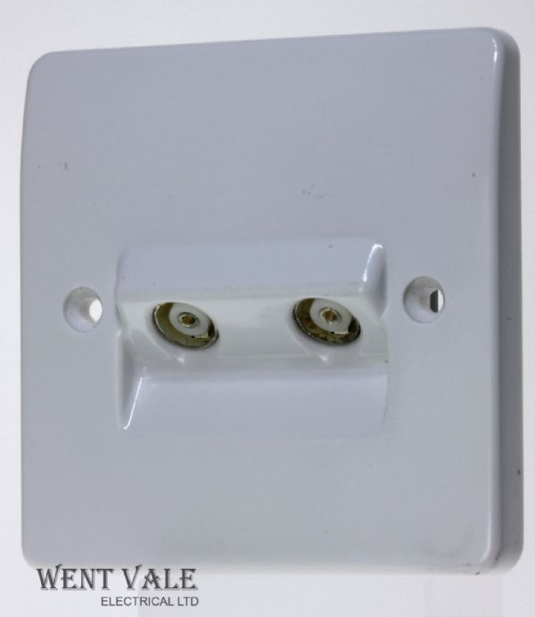 Mk Wiring Accessories Logic Plus Socket Outlet